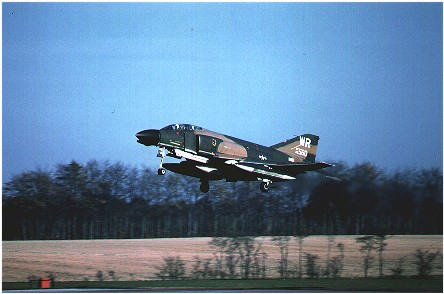F-4D Phantom (66-7560/WR) 91st TFS landing at Bentwaters October 1978.
