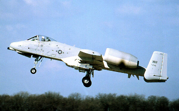 Warthog/Tankbuster A-10A, 77-0246, 81st TFW/92nd TFS landing Bentwaters 23 March 1979.